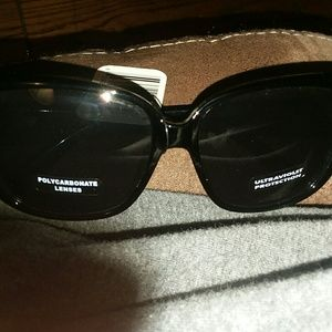 Over sized sunglasses NEW
